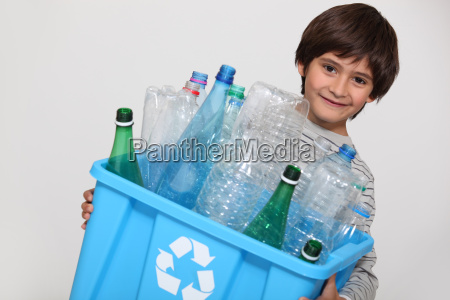 bottiglie scatola scatolame cassone cofano lattina