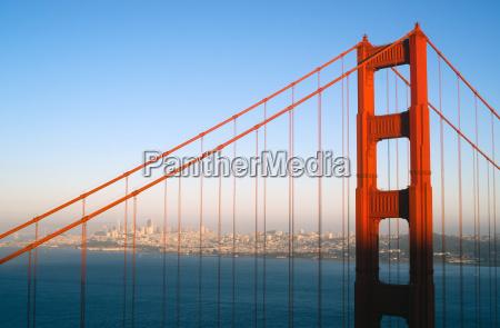torre viaggio viaggiare storico citta metropoli