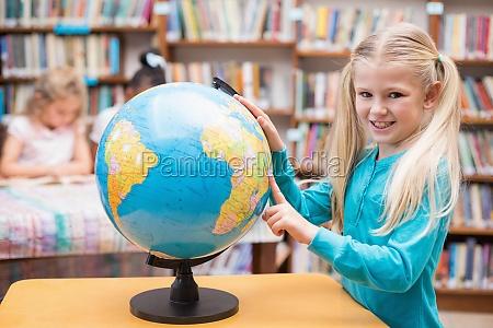 risata sorrisi scrivania educazione femminile ritratto