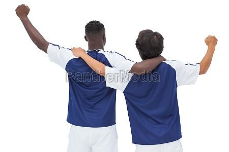 i giocatori di calcio che celebrano