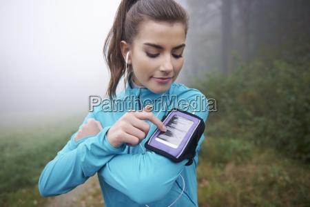 contemporary application for runner on mobile
