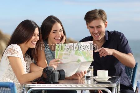 risata sorrisi divertente gruppo ragazzo martinetto