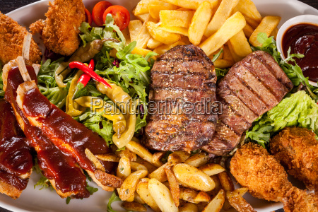 griglia barbecue bistecca filetto manzo carne