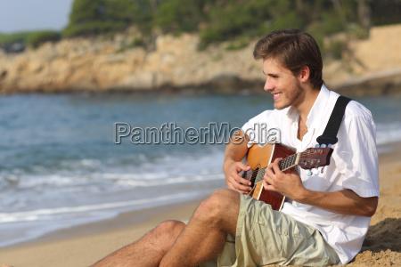 tipo risata sorrisi virile mascolino riva
