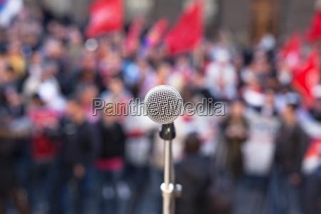 persone popolare uomo umano bandiere microfono