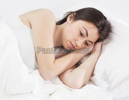 insonnia senza sonno giovane donna