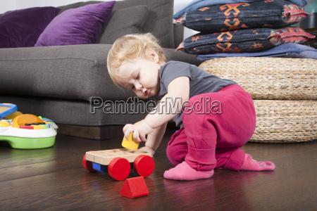 gioco giocato giocare giocattolo bambino neonato