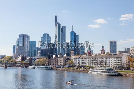 francoforte centro skyline e il fiume