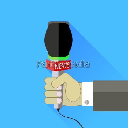 reporter sosteniendo un microfono aislado sobre