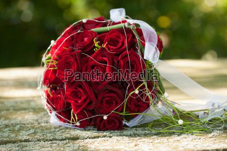 bouquet da sposa rose rosse