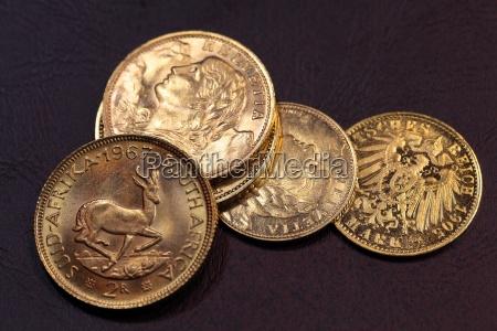 moneta dorato monete giallo dorato tesoro