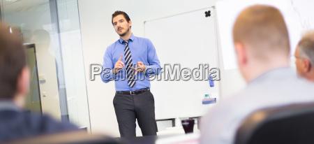presentazione aziendale sulla riunione aziendale