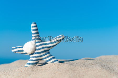 wanderlust sulla spiaggia vacanza al mare