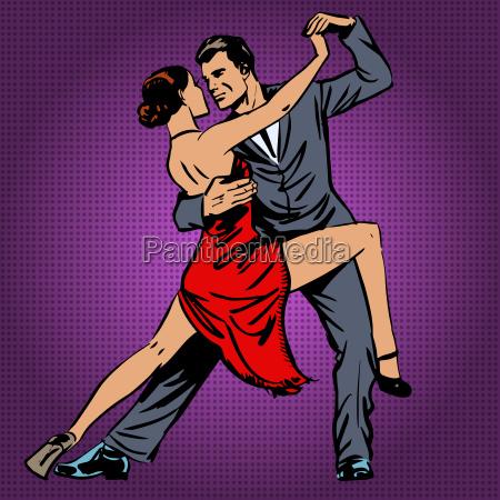 uomo e donna danzando appassionatamente la