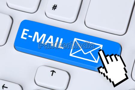 inviare un messaggio di posta elettronica