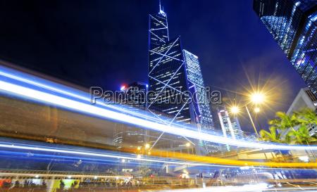 hong kong traffico notturno