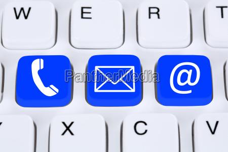 contatto di comunicazione con telefono lettera