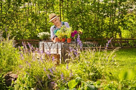 risata sorrisi relax giardino fiore pianta