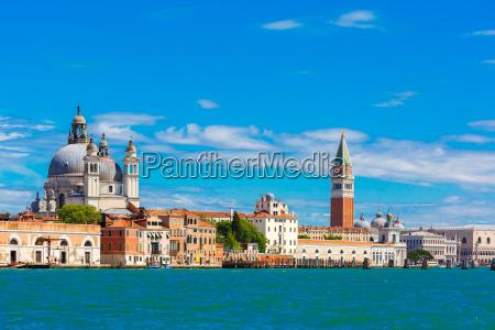 vista dal mare a venezia in