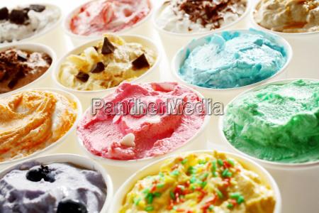 gustoso gelato estivo in diversi gusti