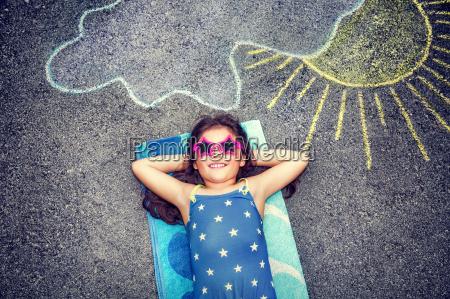 piccolo poco breve asfalto infanzia foto