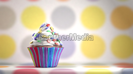 delizioso cupcake con smarties su una