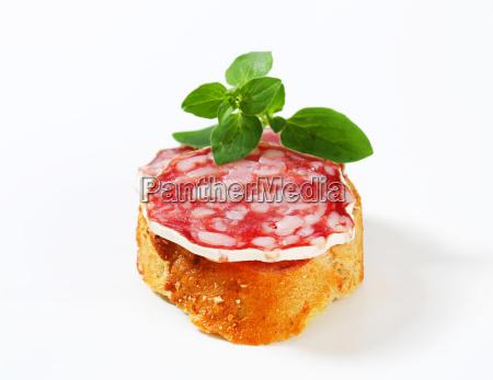 cibo pane mini salsiccia saporito buongustaio