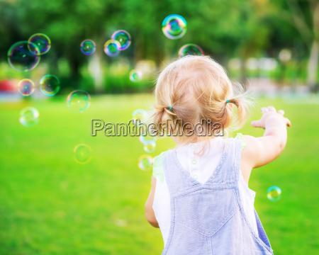 gioco giocato giocare parco estate bambino