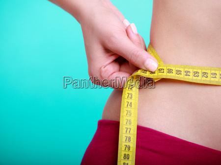 dieta fitness donna ragazza adatta con
