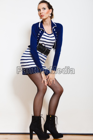 foto di moda della giovane donna