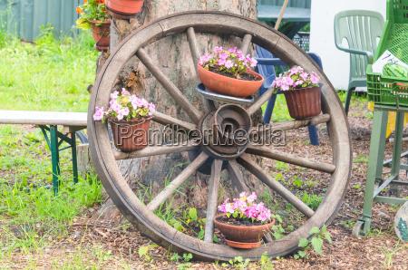oggetto storia ruota traffico legno marrone