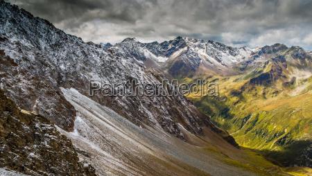 enorme montagne selvaggio alpi escursione gita