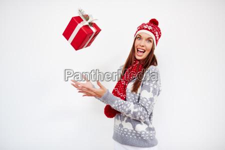 lanciare il regalo di natale