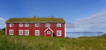 casa in legno fiordo scandinavia norvegia