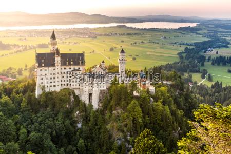 tramonto del castello di neuschwanstein