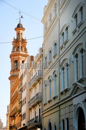 historic architecture in valencia