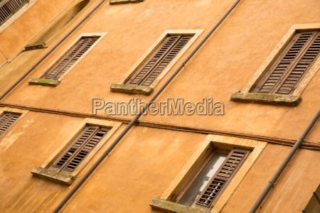 historic architecture in verona