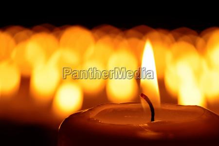 un mare di candele