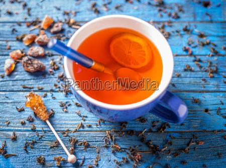 tazza blu con te