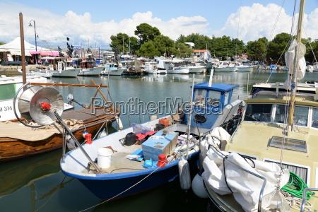 boats at novigrad