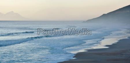 nebbia riva del mare spiaggia onde