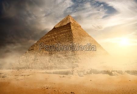 viaggio viaggiare storico monumento famoso pietra