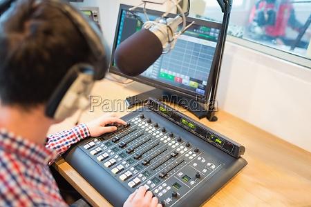 stazione ascoltare esistere vivere divertimento musica