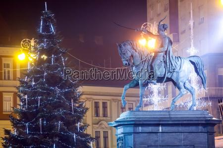 statua avvento decorazione croazia albero di