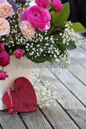 bouquet romantico con rose rosa