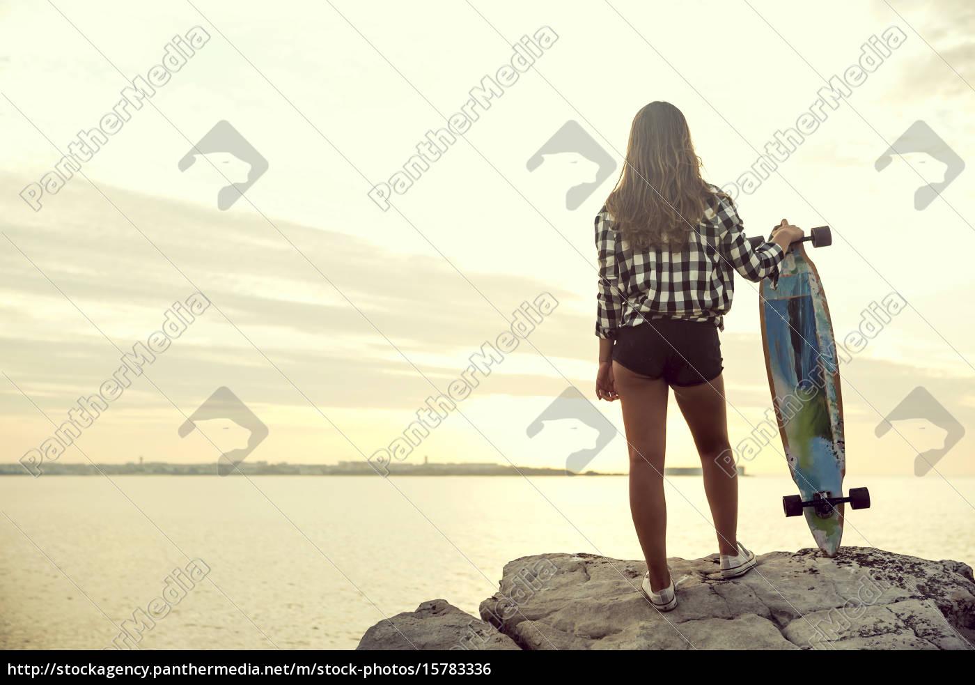 skater, ragazza - 15783336