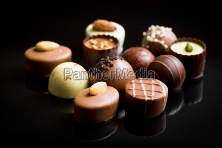 vari praline di cioccolato