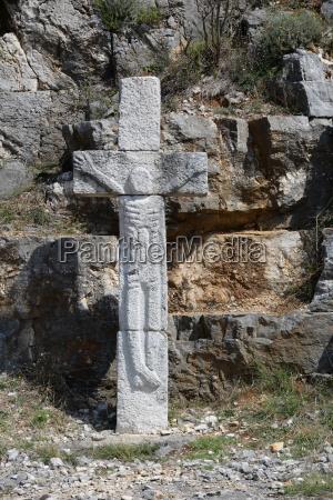 religione monumento croce plastica croazia cristiano