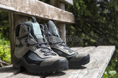 andare escursione gita scarpe scarpe col