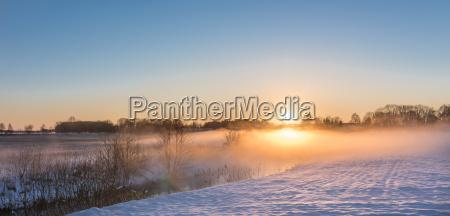 paesaggio di inverno con il look